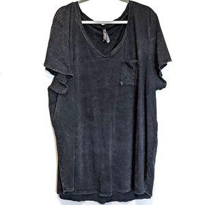 Torrid t-shirt sz 5 cotton 100% pocket v-neck
